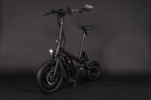 steereon-c25-schwarz-seite-vorne